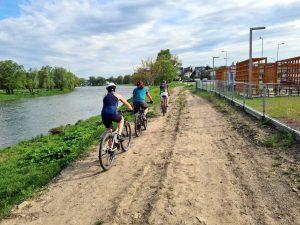 Przejazd promocyjny trasą przyszłej ścieżki rowerowej Velo San